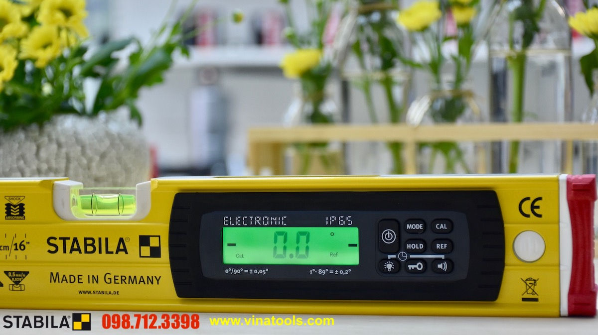 Electronic spirit level Tech 196. STABILA