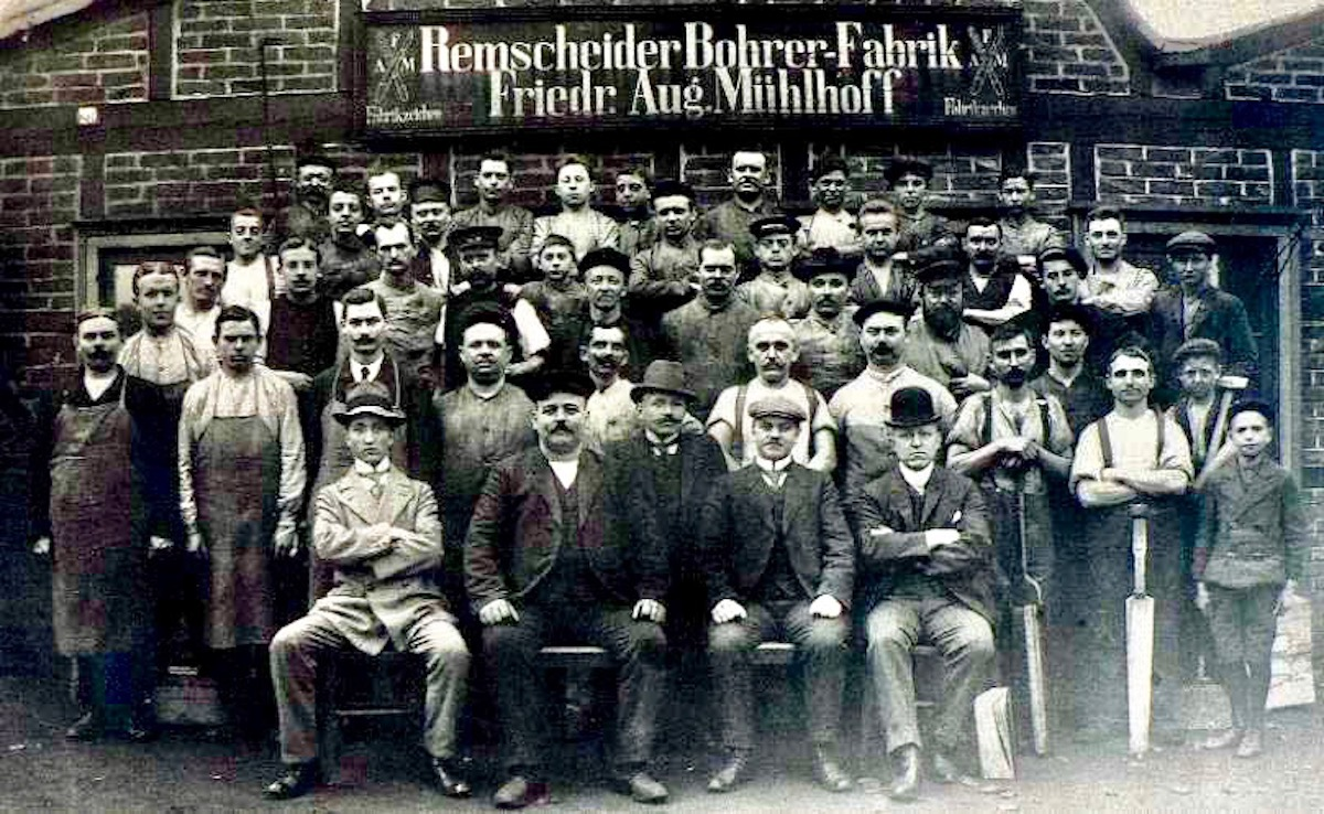 Các thành viên trong FAMAG Germany vào năm 1912